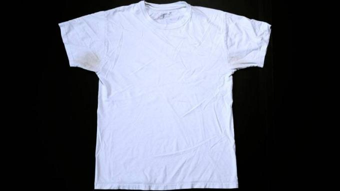 Baking_soda_shirt_before